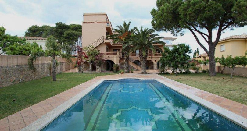 immosol lescala - Big Houses With Pools For Sale